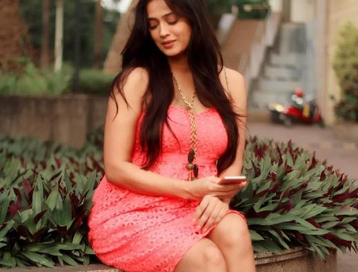 TV actress Shweta Tiwari death news goes viral latest update
