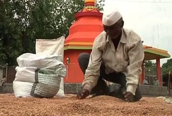 Heartbroken scene during Farmer Strike in Nashik latest updates