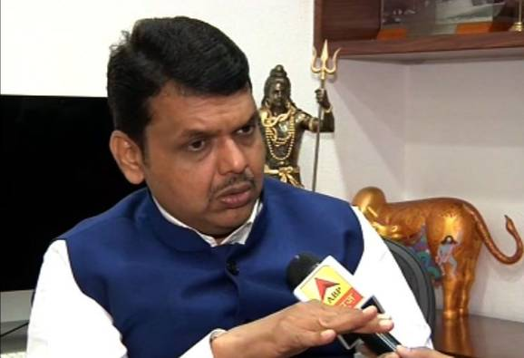 There is no compulsion to make an affidavit when taking a loan of 10 thousand rupees says CM devendra fadnavis latest updates