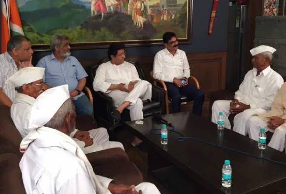 Puntamba farmers met Raj Thackeray over farmers strike latest updates