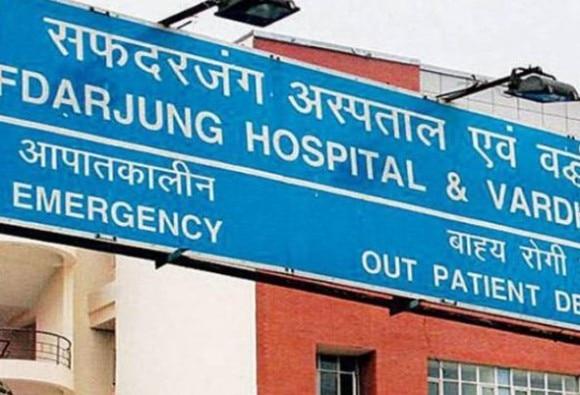 delhis safdarjang hospital doctors newborn baby declared dead, but relatives found him live