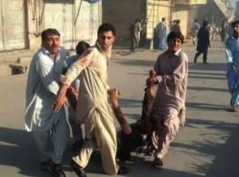 दुहेरी बॉम्बस्फोटानं पाकिस्तान हादरलं
