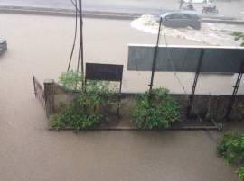 नागपूरमध्ये जोरदार पाऊस, रस्त्यावर पाणीच पाणी