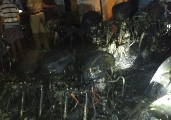 bikes burnt in pune again latest updates