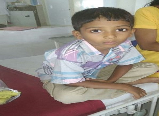 Pimpari : needle of injection goes into boy's stomach while doing root canal live update
