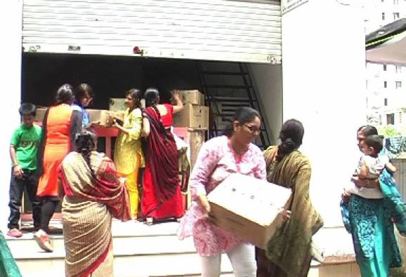 Womens protest against wine shop in nashik latest updates