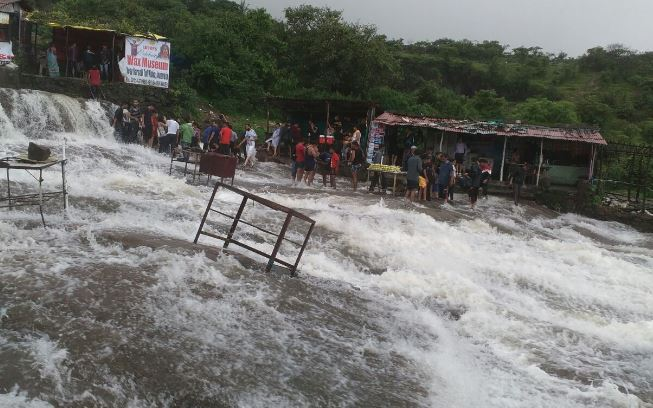 Lonavala bhushi dam temporary closed