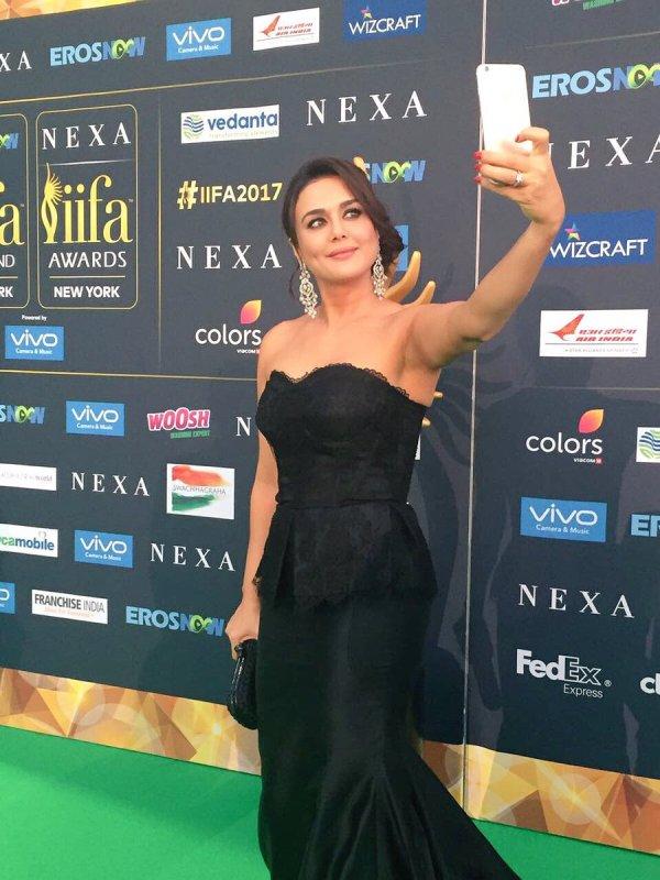 iifa awards 2017 and bollywood actress look