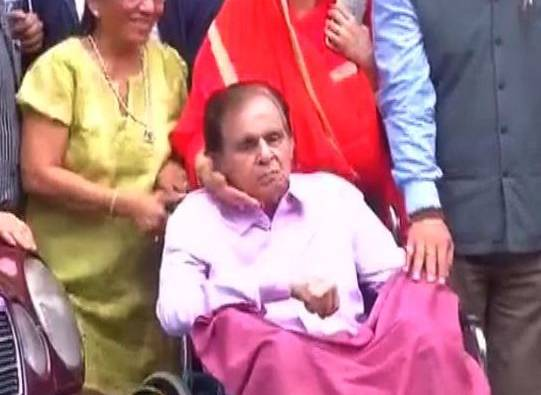 Mumbai : Yesteryear Actor Dilip Kumar given discharge from Lilavati Hospital latest update