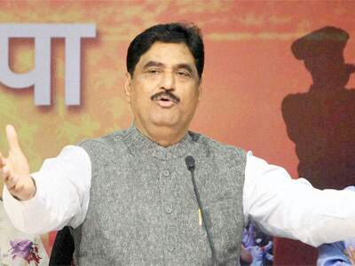 late leader Gopinath Munde's name to Ahmadnagar beed parli railway latest updates