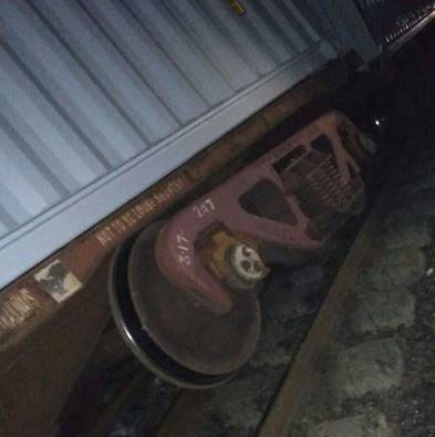 Mumbai : Central railway trains late due to goods trail derailed latest update