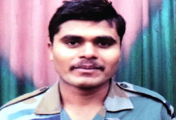 two soldiers martyr in shopian district including Maharashtra's one from akola