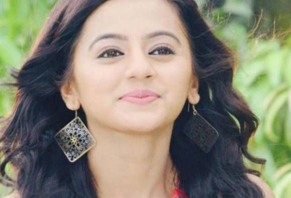 Swarangini Actress Helly Shah's car theft in front of Mira Road residence latest update