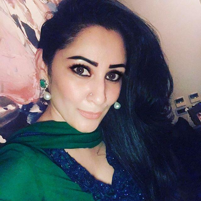 maanayata dutt's latest instagram pictures