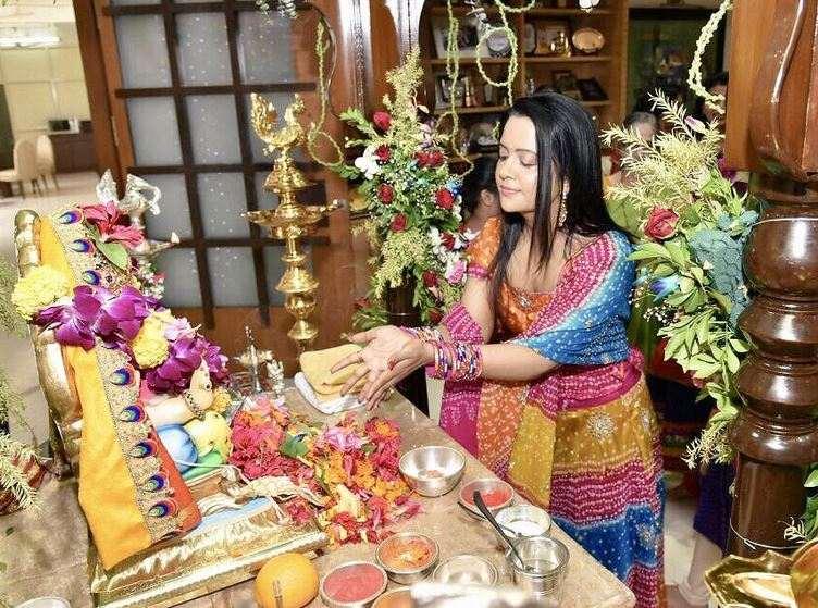 Mumbai : CM Devendra Fadanvis' Ganapati Visarjan