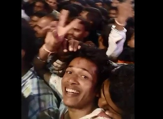 Pune : Gold chain snatcher caught in selfie video latest update