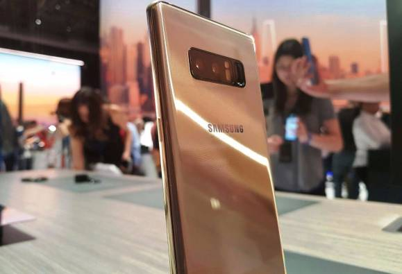 2 5 lakh pre registrations over india for Samsung galaxy note 8 latest news
