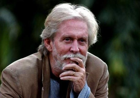 veteran film and stage actor tom alter passed away due to cancer latest marathi news update