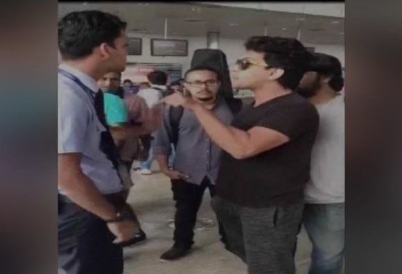 aditya narayan dispute to indigo airlines officer latest update