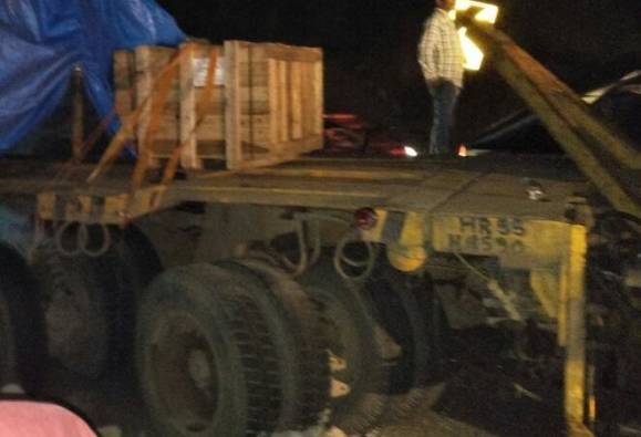 accident in Mumbai-pune express way latest update