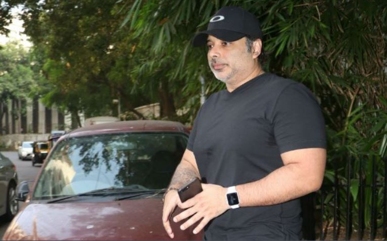 Dhoom actor Uday Chopra looks recognizable in his latest pictures!