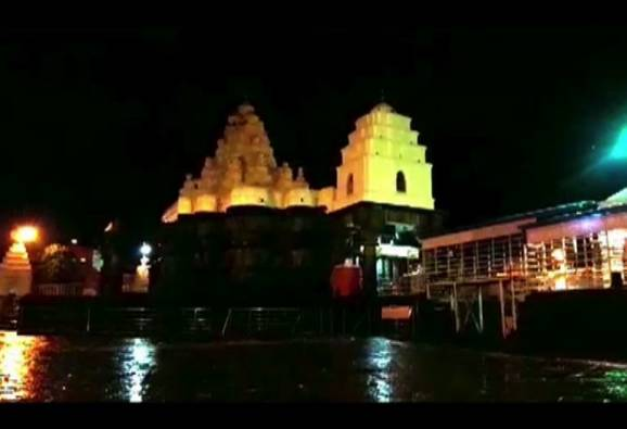 Sewerage water entered into Aundha nagnath temple