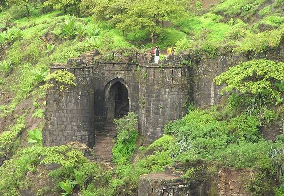 Pune : Couple allegedly committed suicide at Sinhgad Fort latest update
