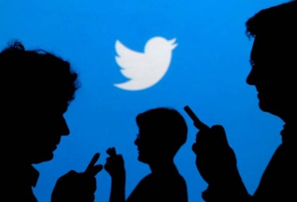 whatsapp down top trend on twitter