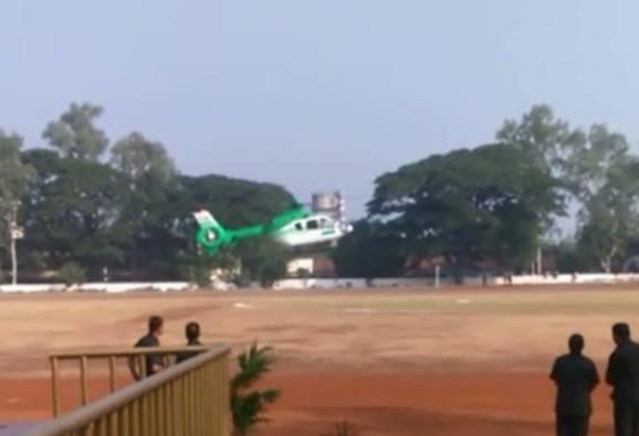 मुख्यमंत्र्यांच्या हेलिकॉप्टरचं नाशिकमध्ये इमर्जन्सी लँडिंग