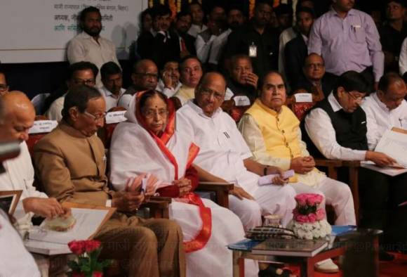 शरद पवार भावी राष्ट्रपती : सुशीलकुमार शिंदे