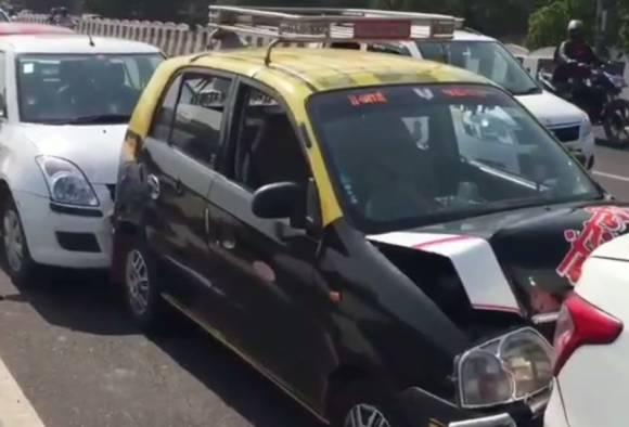 मुंबईत विचित्र अपघात, 7 गाड्या एकमेकांवर आदळल्या