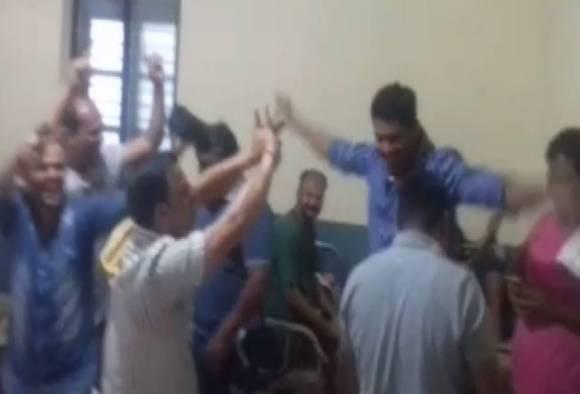 उदयनराजे, शिवेंद्रराजे समर्थक आरोपींचा रुग्णालयात लुंगी डान्स