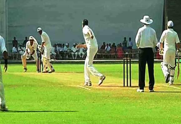 क्रिकेटच्या मैदानात न्यायमूर्तींवर वकिलांची मात
