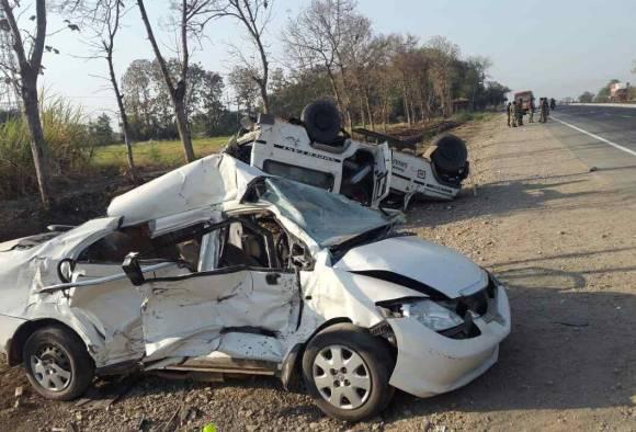 सोलापूर-तुळजापूर रोडवर भीषण अपघात, पाच जणांचा मृत्यू