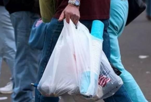 राज्यात संपूर्ण प्लास्टिक बंदीचा गुढीपाडव्याचा मुहूर्त हुकणार