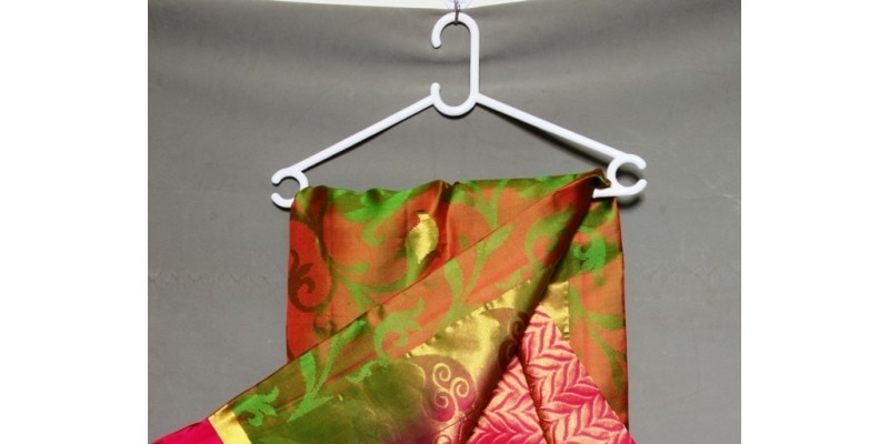 green-pure-kanchipuram-handloom-silk-saree-with-pink-border--800x400