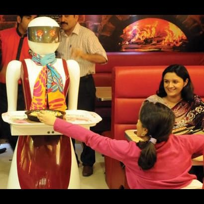 pakistan-woman-robot_1488638545