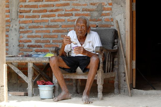 Oldest-man-in-the-world (1)
