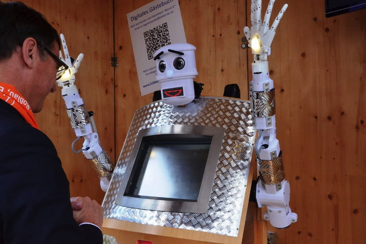 robot-priest-4-2-720x720