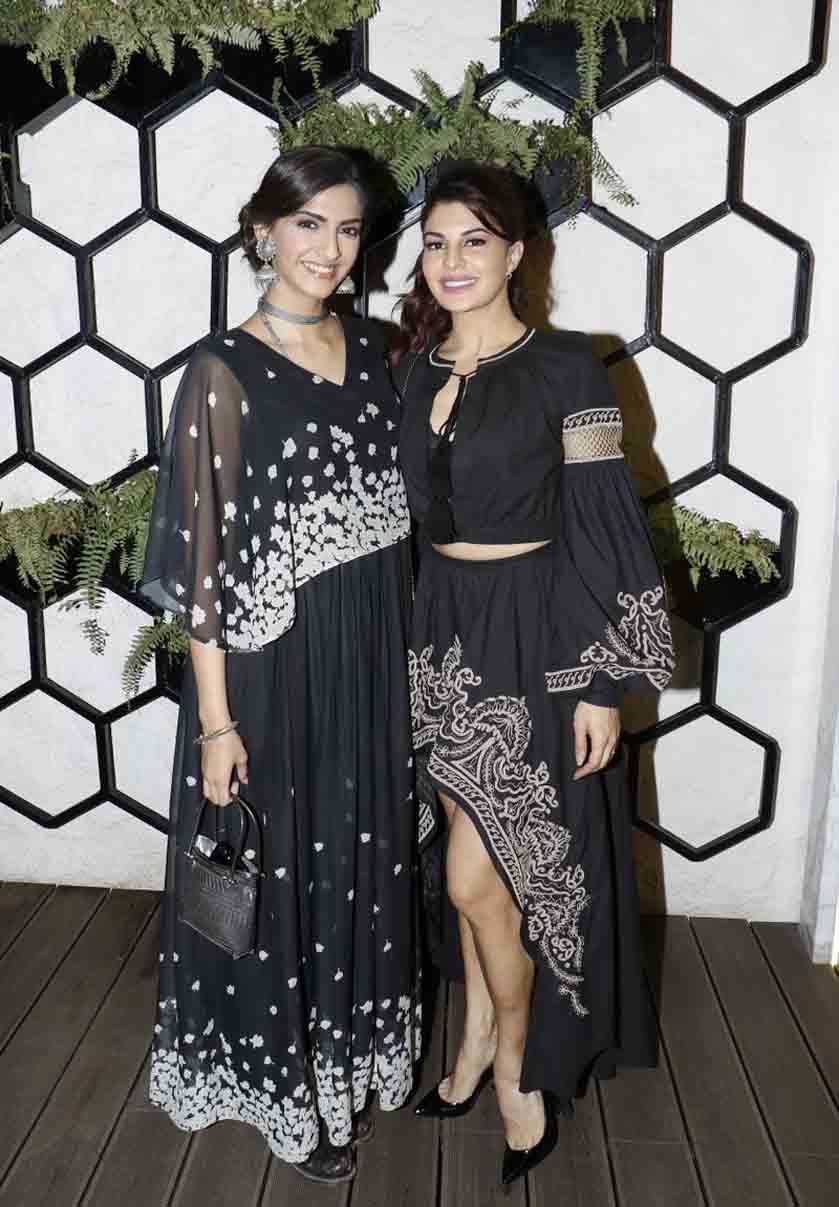 Sonam-and-Jaqueline-at-Arth