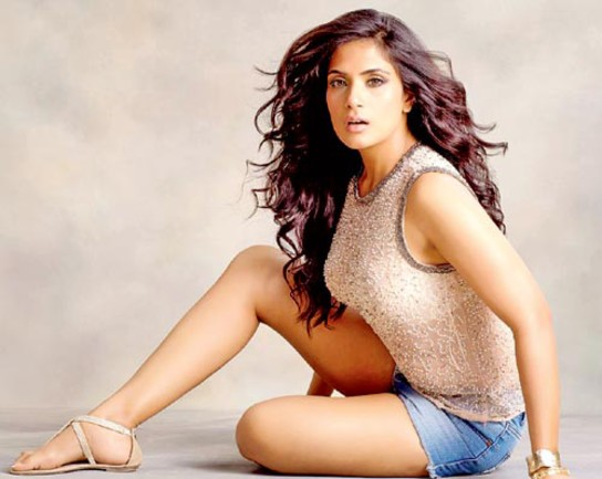 richa-chadda-is-going-back-to-barry-john-for-acting-tips-1