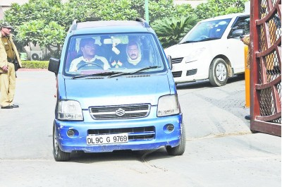 2-Upset-AAP-supporter-wants-his-donated-iconic-Blue-Maruti-Suzuki-Wagon-R-back
