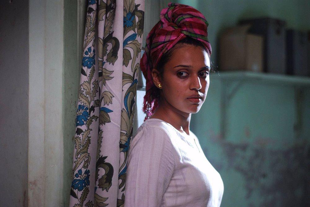 Swara-Bhaskar_after_Bath