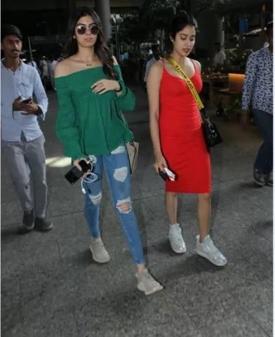 6-Shreedevi_Daughters_Jhanvi_Khushi