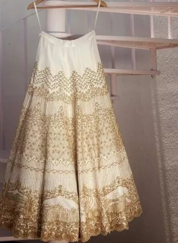 9-Wedding_Dress_by_Krisha_Bajaj