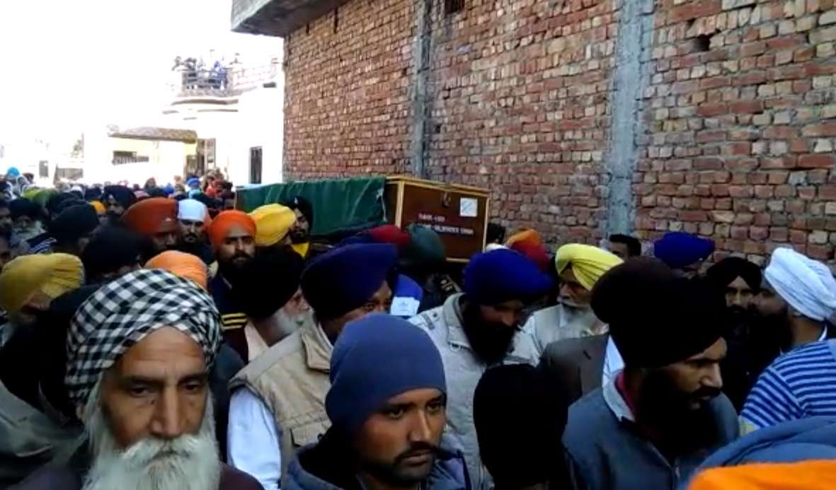 6-Soldier_Palwinder_Singh_Cremation-compressed