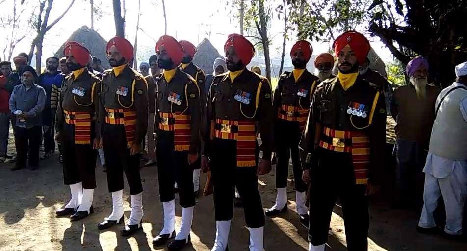 3-Soldier_Palwinder_Singh_Cremation-compressed