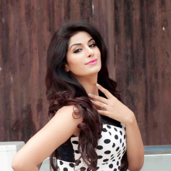 only-zero-size-actress-in-bhojpuri-cinema-dubey