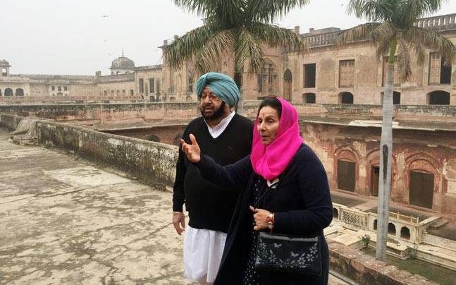 captain-amarinder-singh-with-parneet-kaur