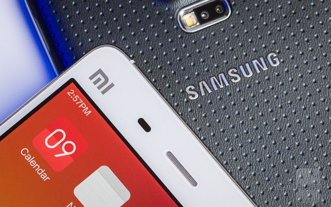 Xiaomi-Mi-4-vs-Samsung-Galaxy